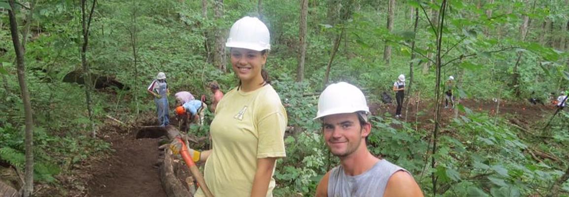 WRC students trailbuilding